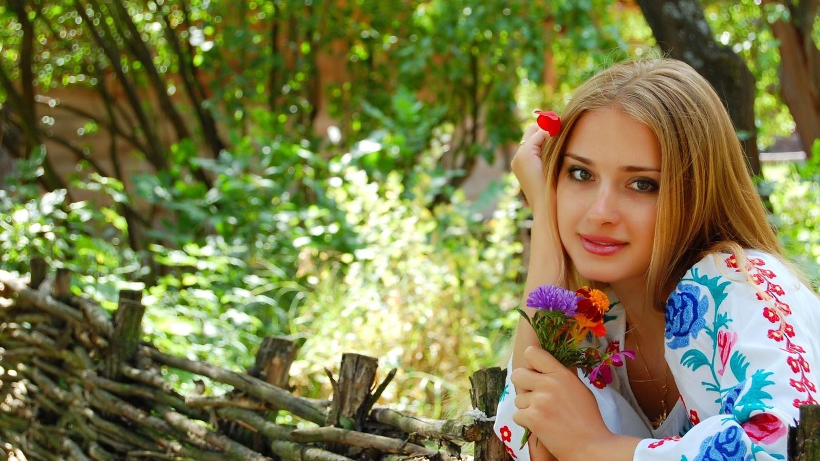 Картинки блондинка и осень