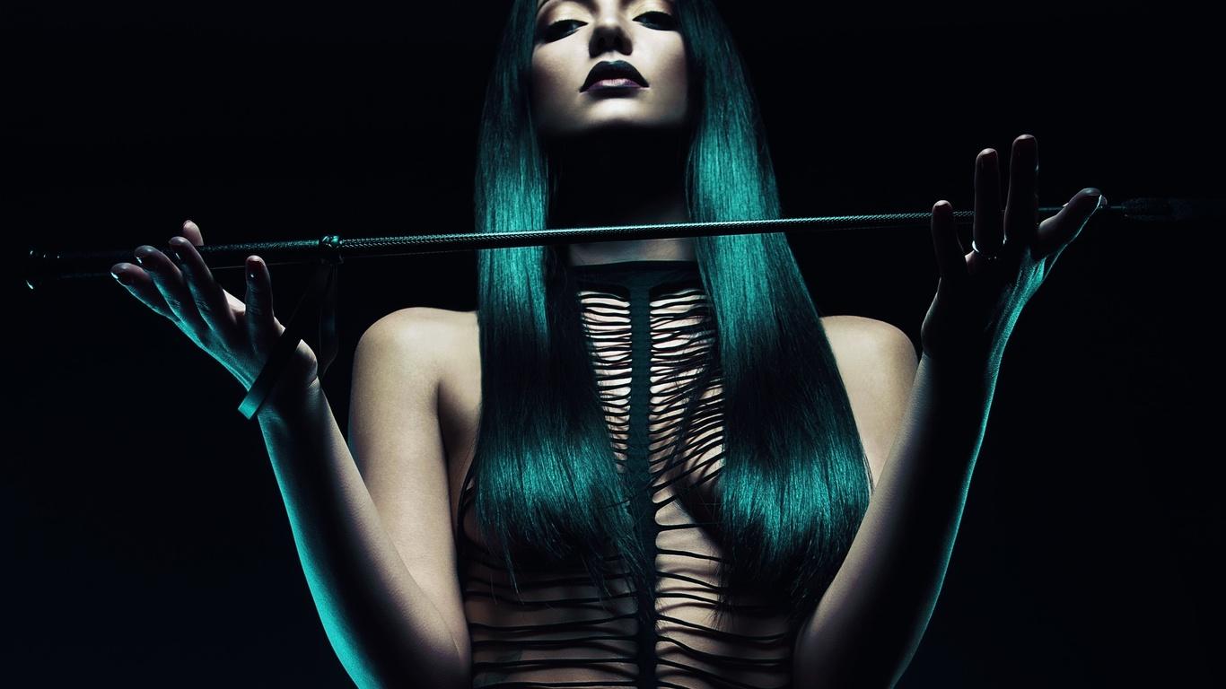 Фото женщины с плетью 8 фотография