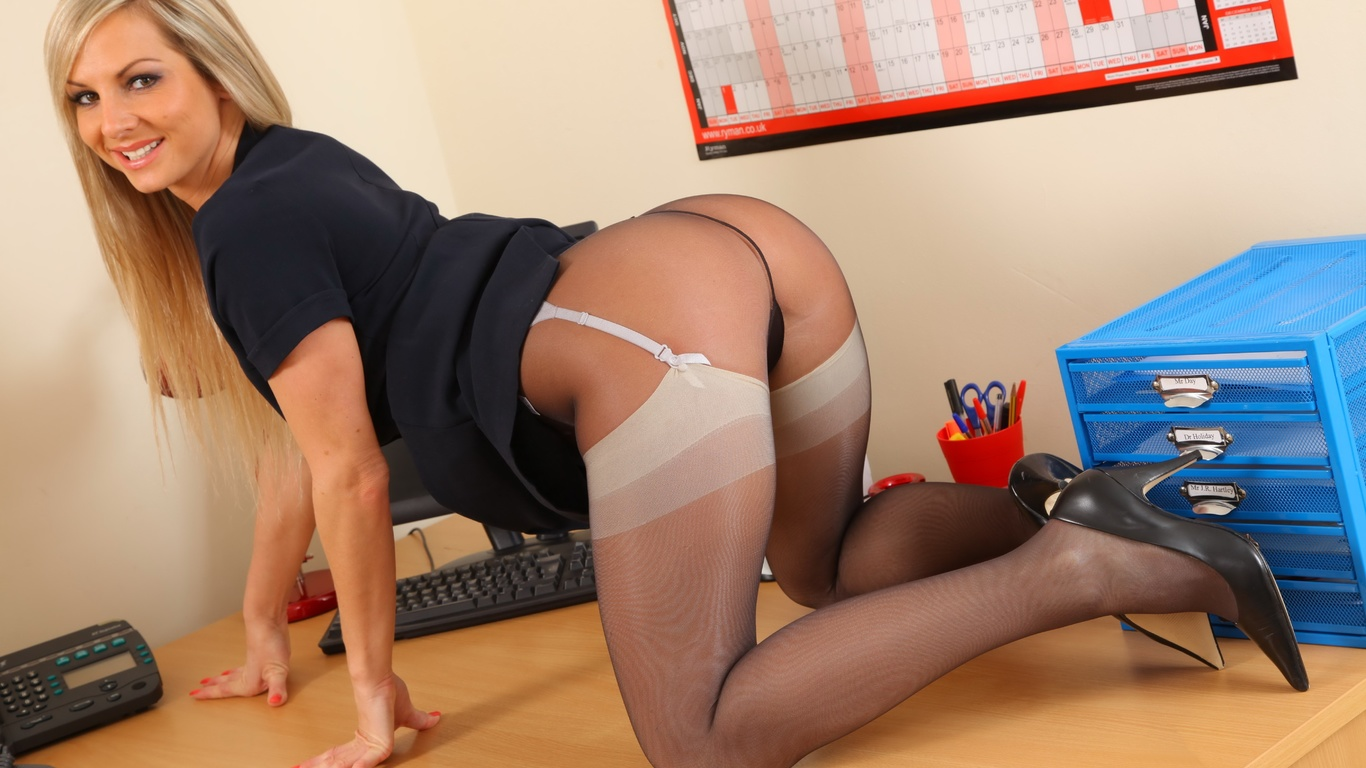 Фото блондинок секретарш в сексе 29 фотография