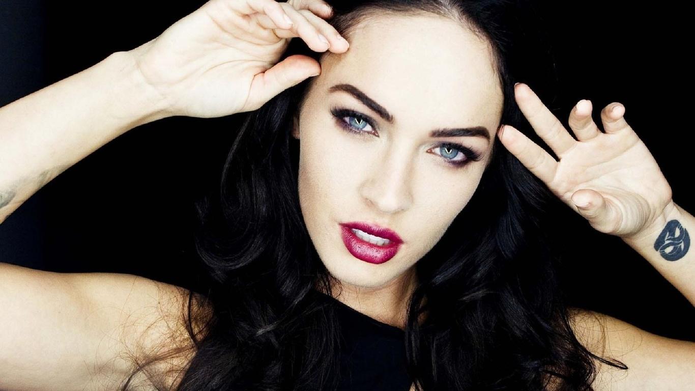Самая красивая девушка одной брюнетки 21 фотография