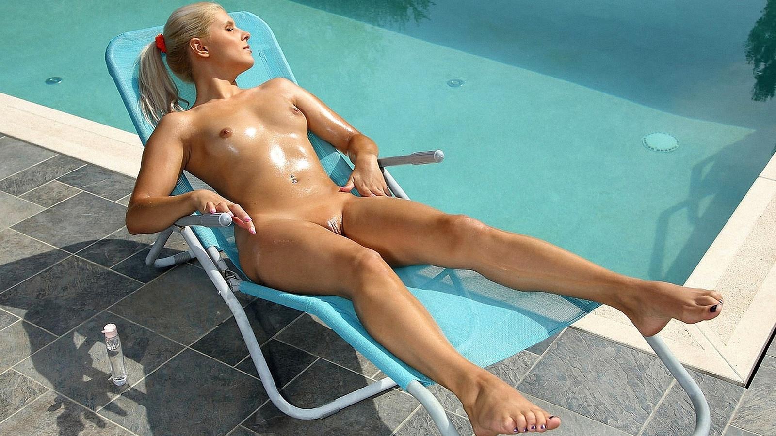 ekstrim-mikro-bikini-porno-foto