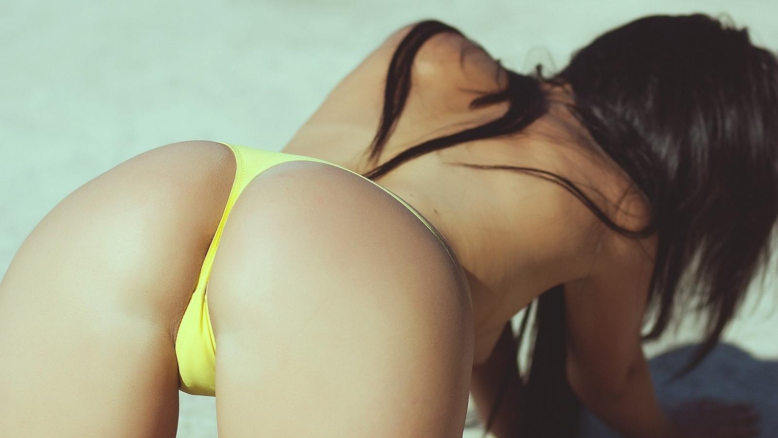 порно охренительная попка у девушки