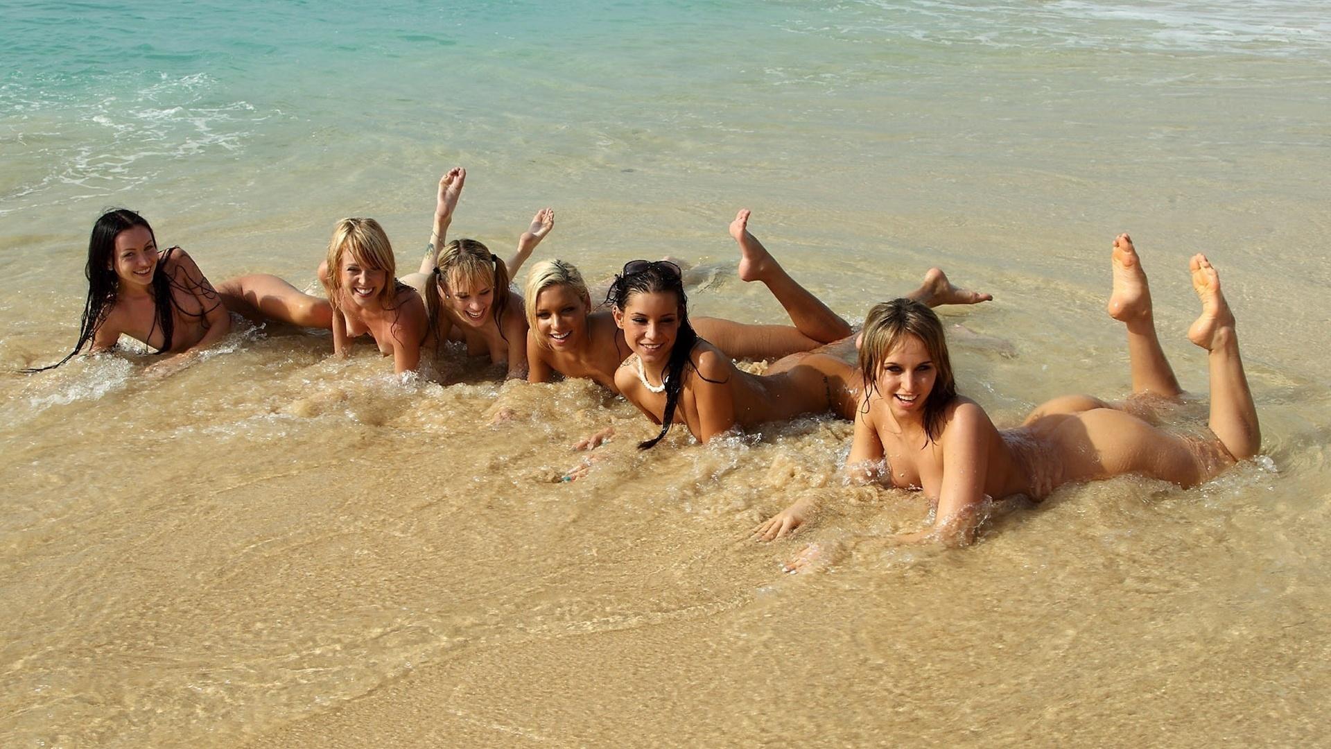 Фотки голых девчонок самары на пляжах 7 фотография