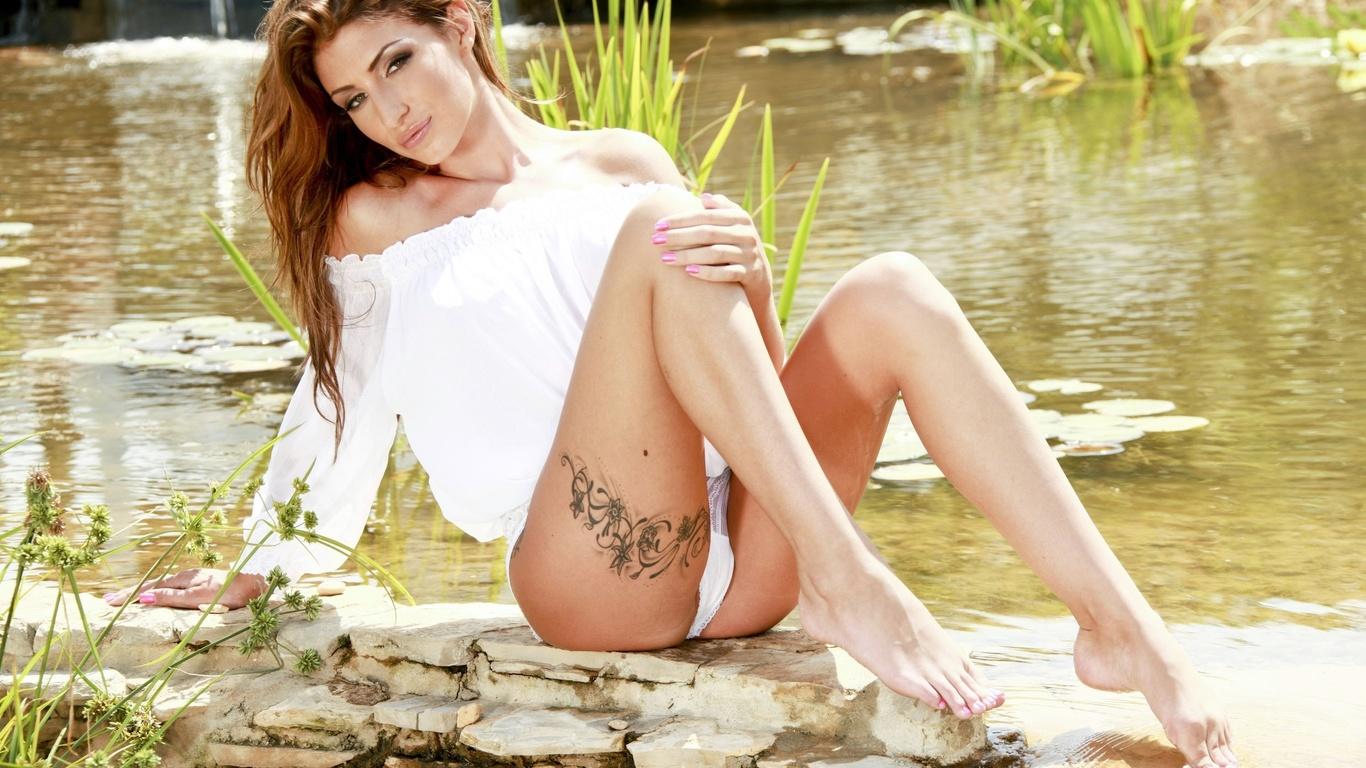 Татуированная порноактриса jenny 15 фотография
