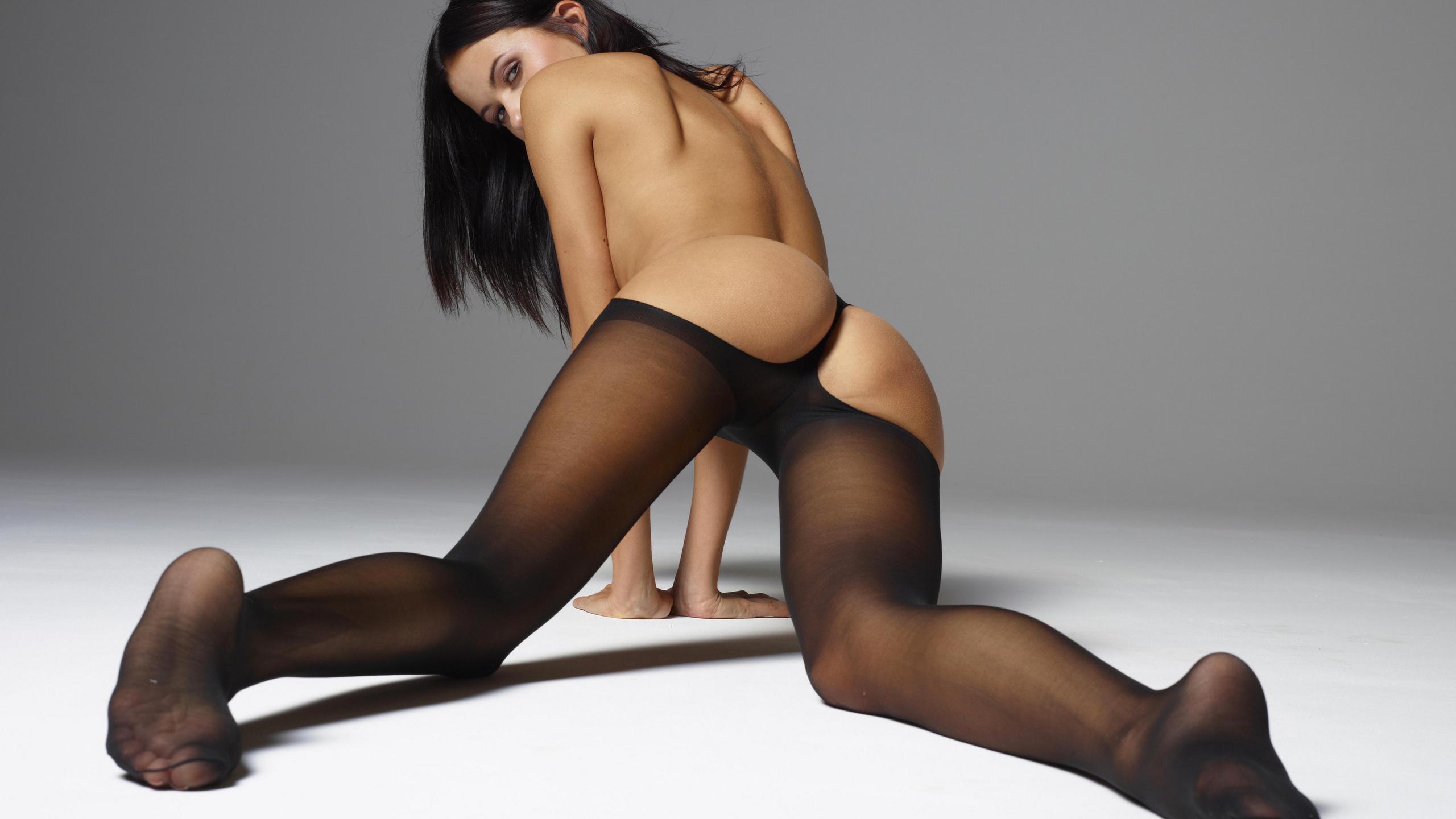 Фото голых женщин калготочках 10 фотография