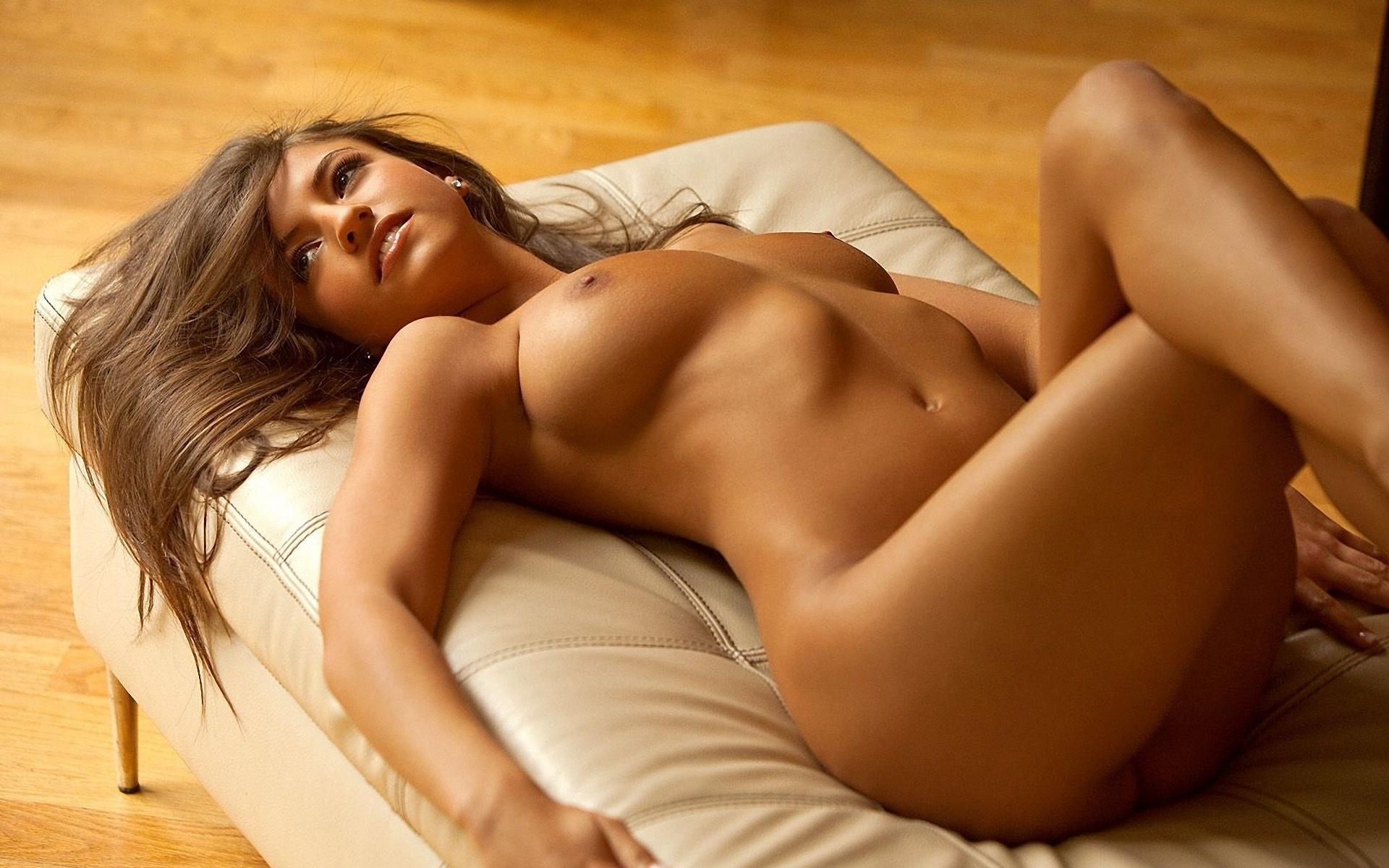 Рисованные голые супер красотки 4 фотография