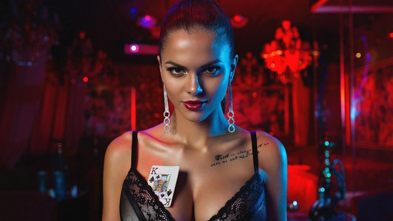 Фото девушки в казино 31 фотография