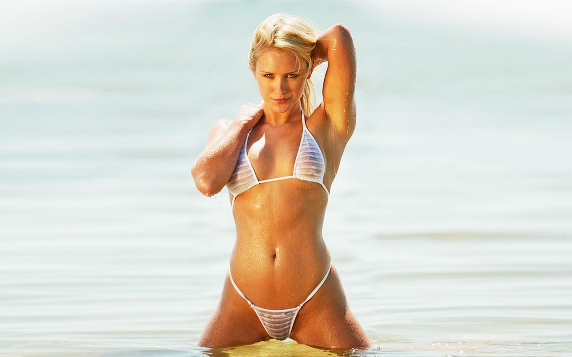 Фото пляж микро бикини 21 фотография
