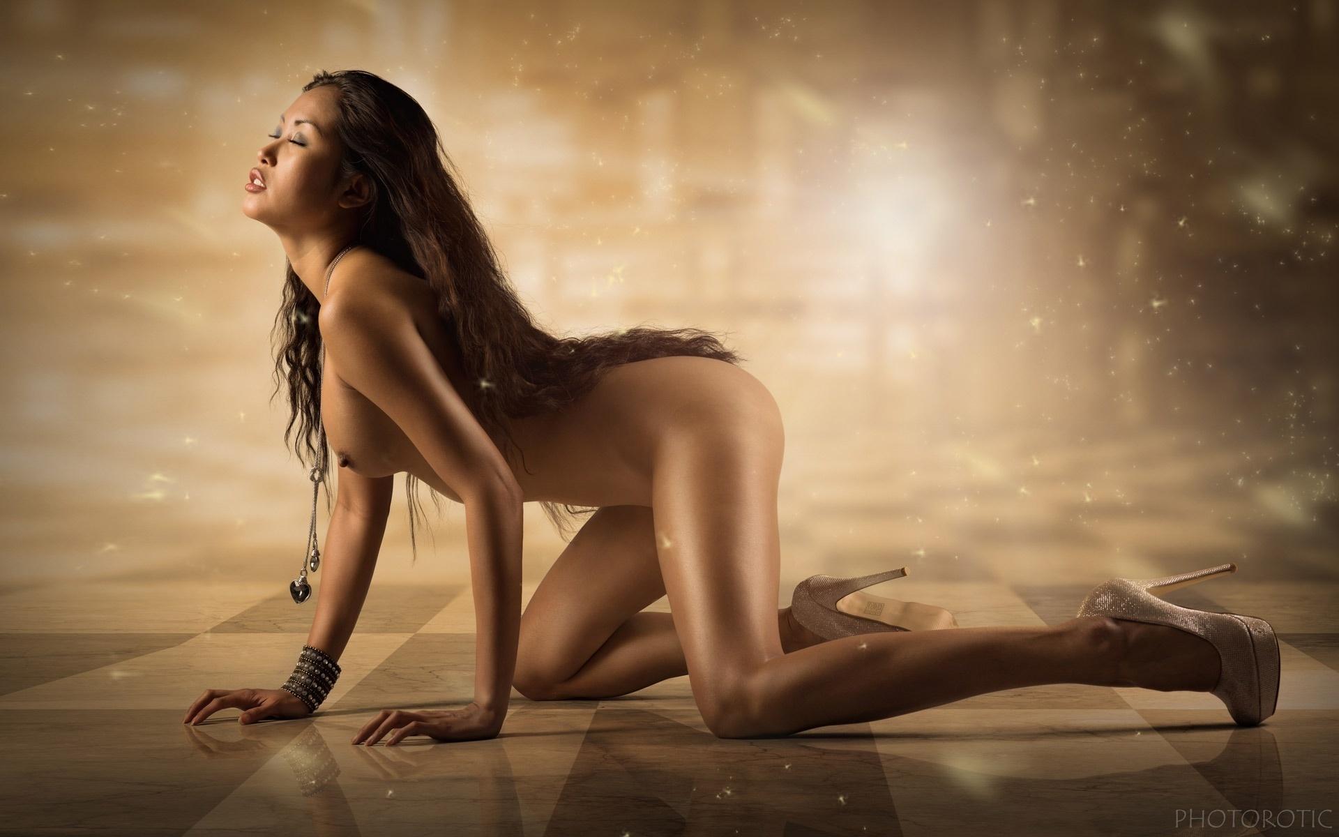 Erotic girls willpapers image 6