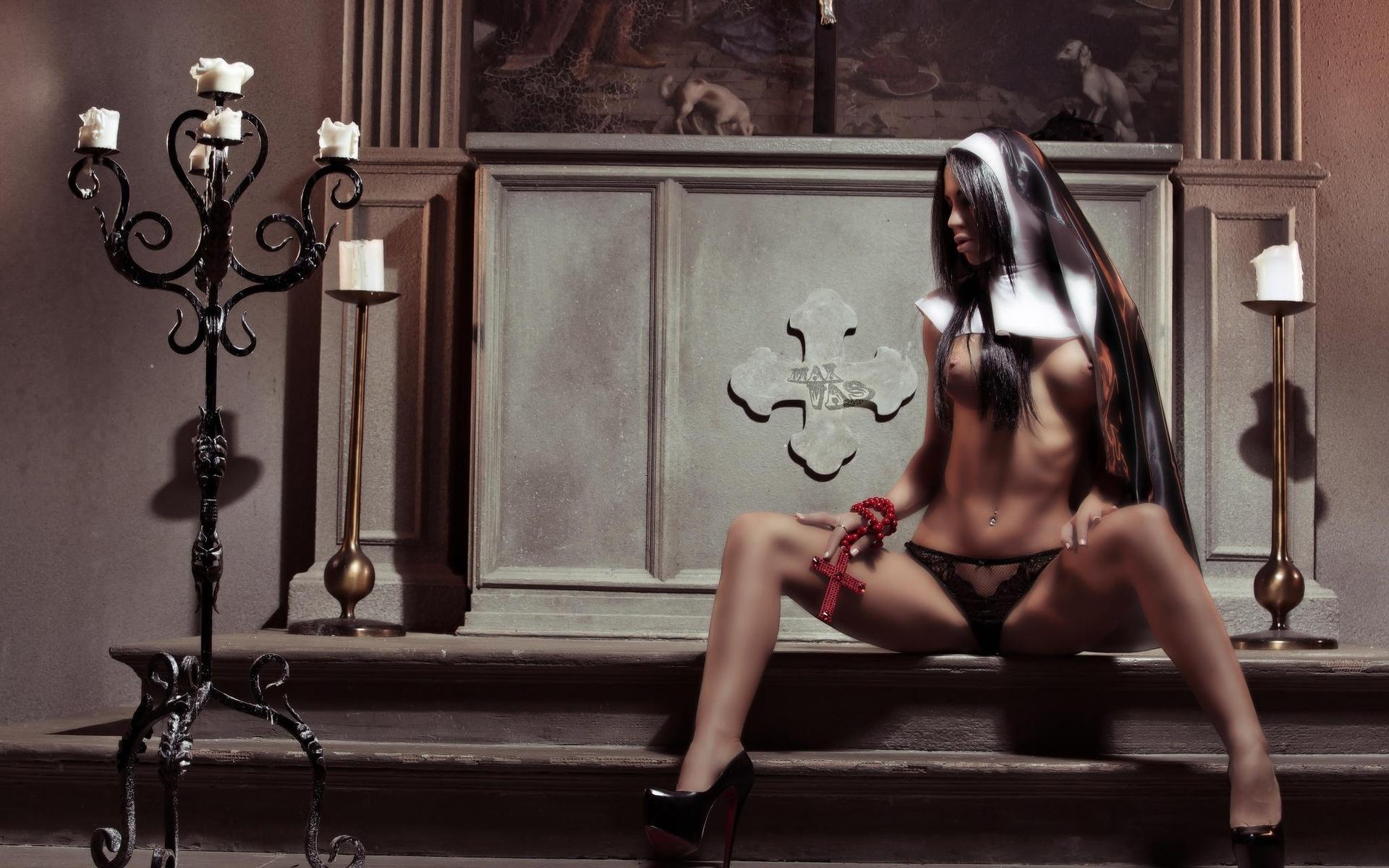 Голые монашки фото  обнаженные монахини