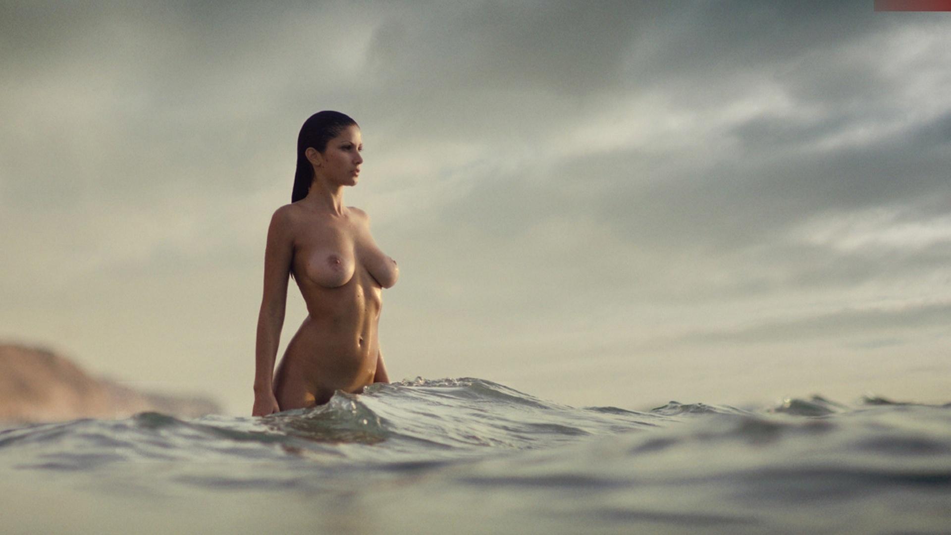 Эротика голые море на рабочий стол 25 фотография