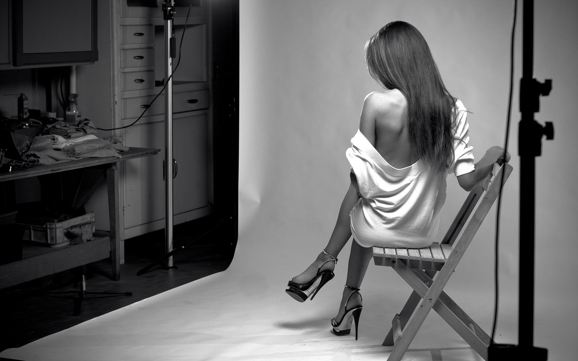 Рабы целуют туфли 13 фотография