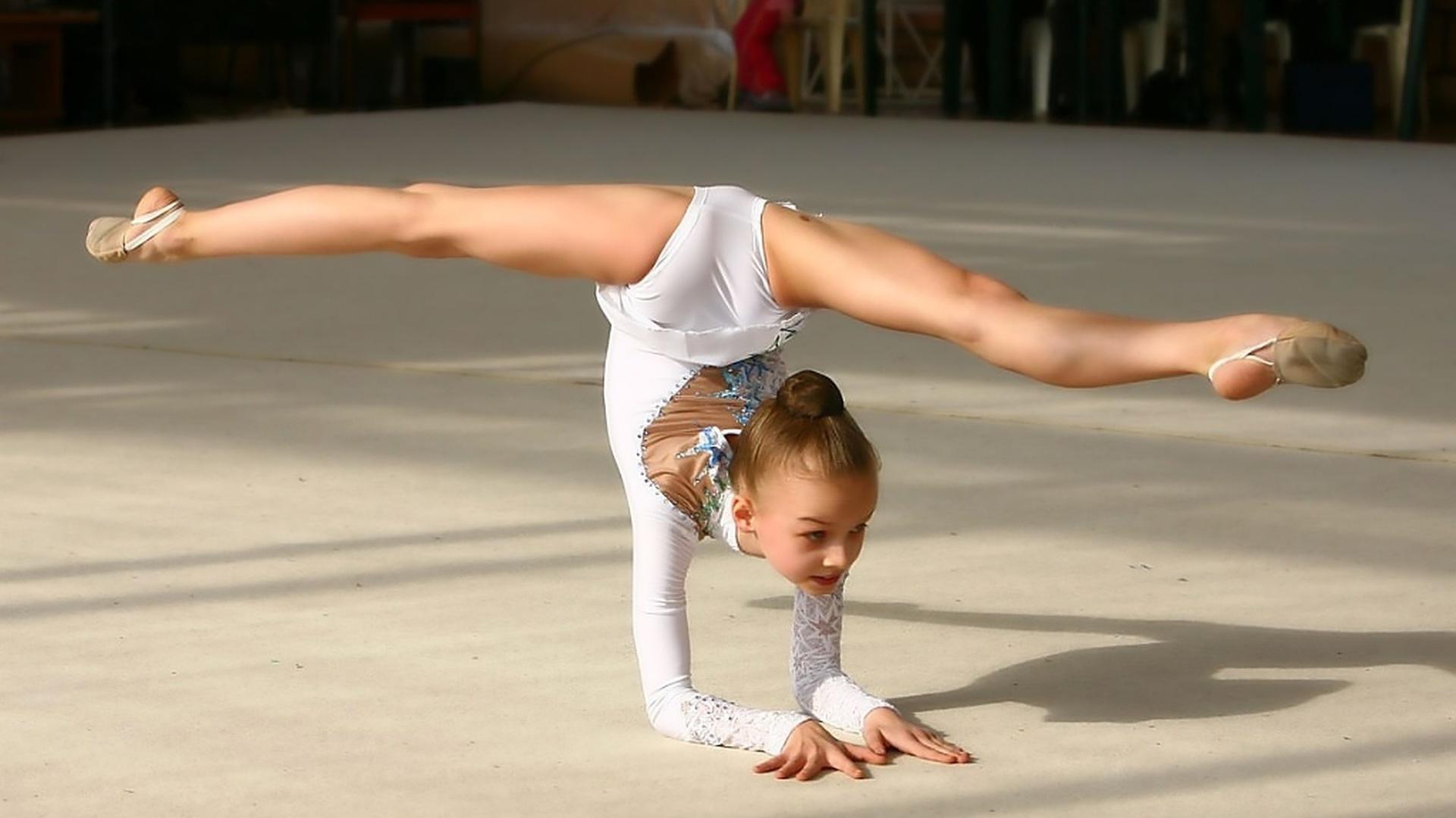 гибкие гимнастки голые