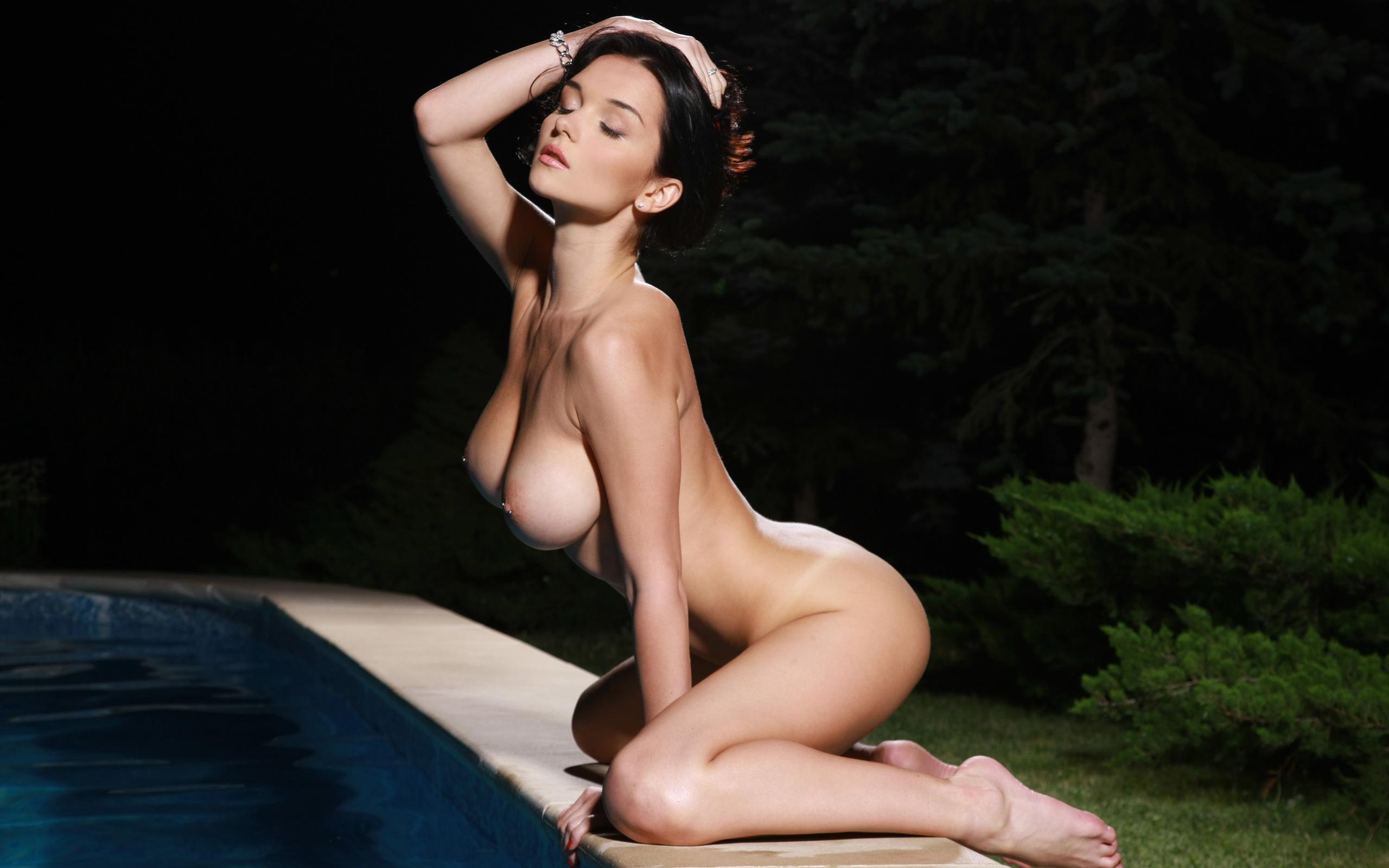 Фотомодель голая грудь 9 фотография