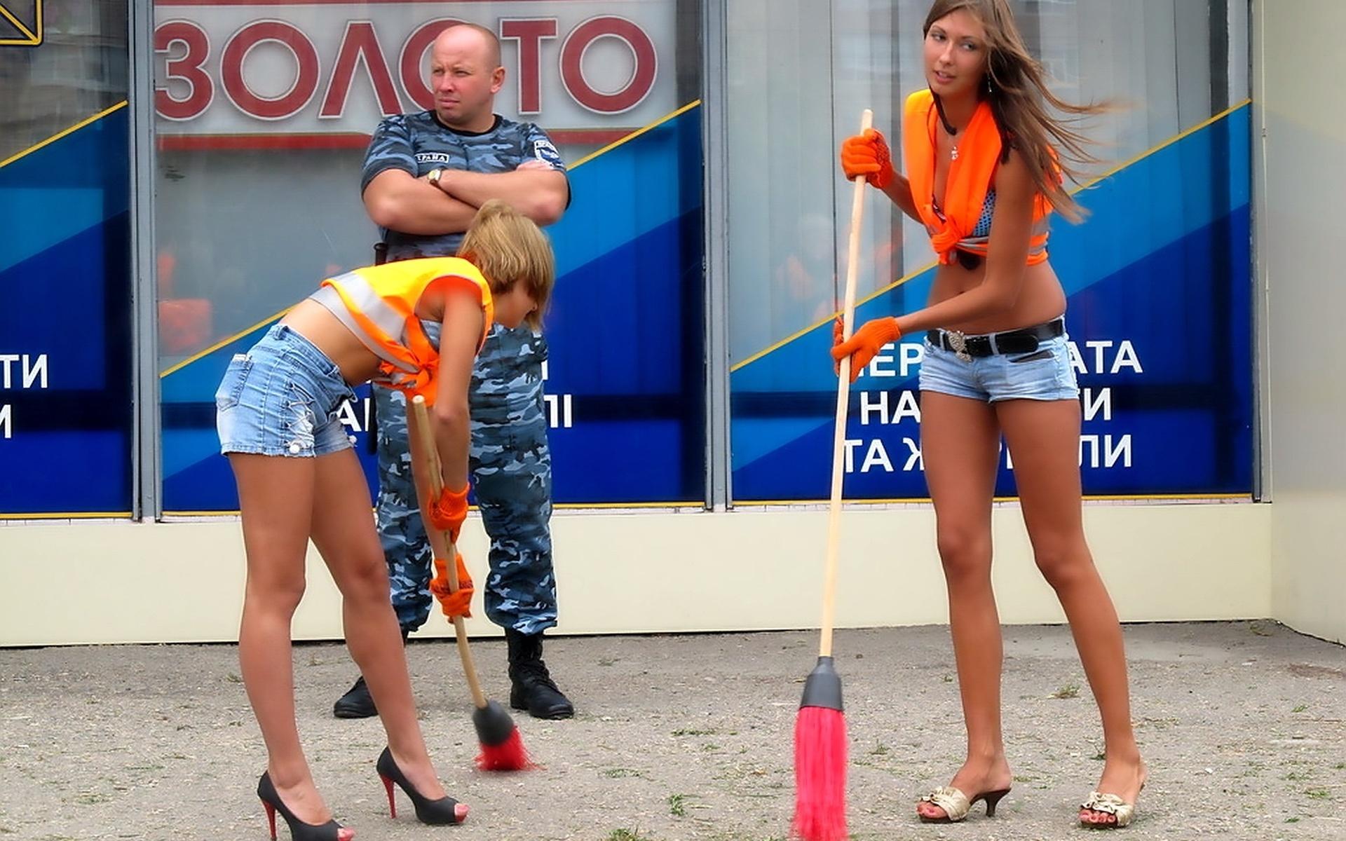 Китаянки в мини юбках 19 фотография