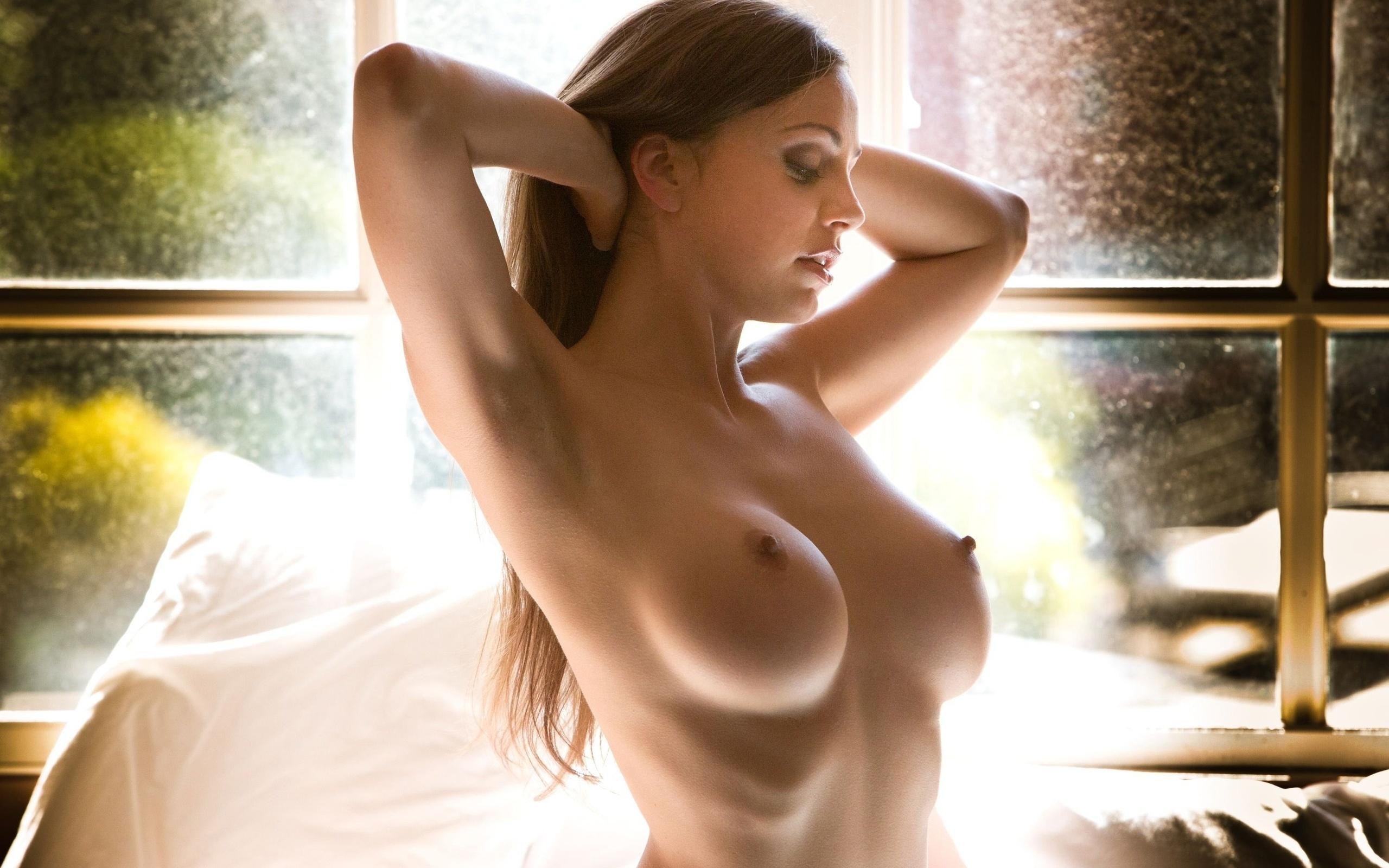 Секси красотка раздевается 9 фотография