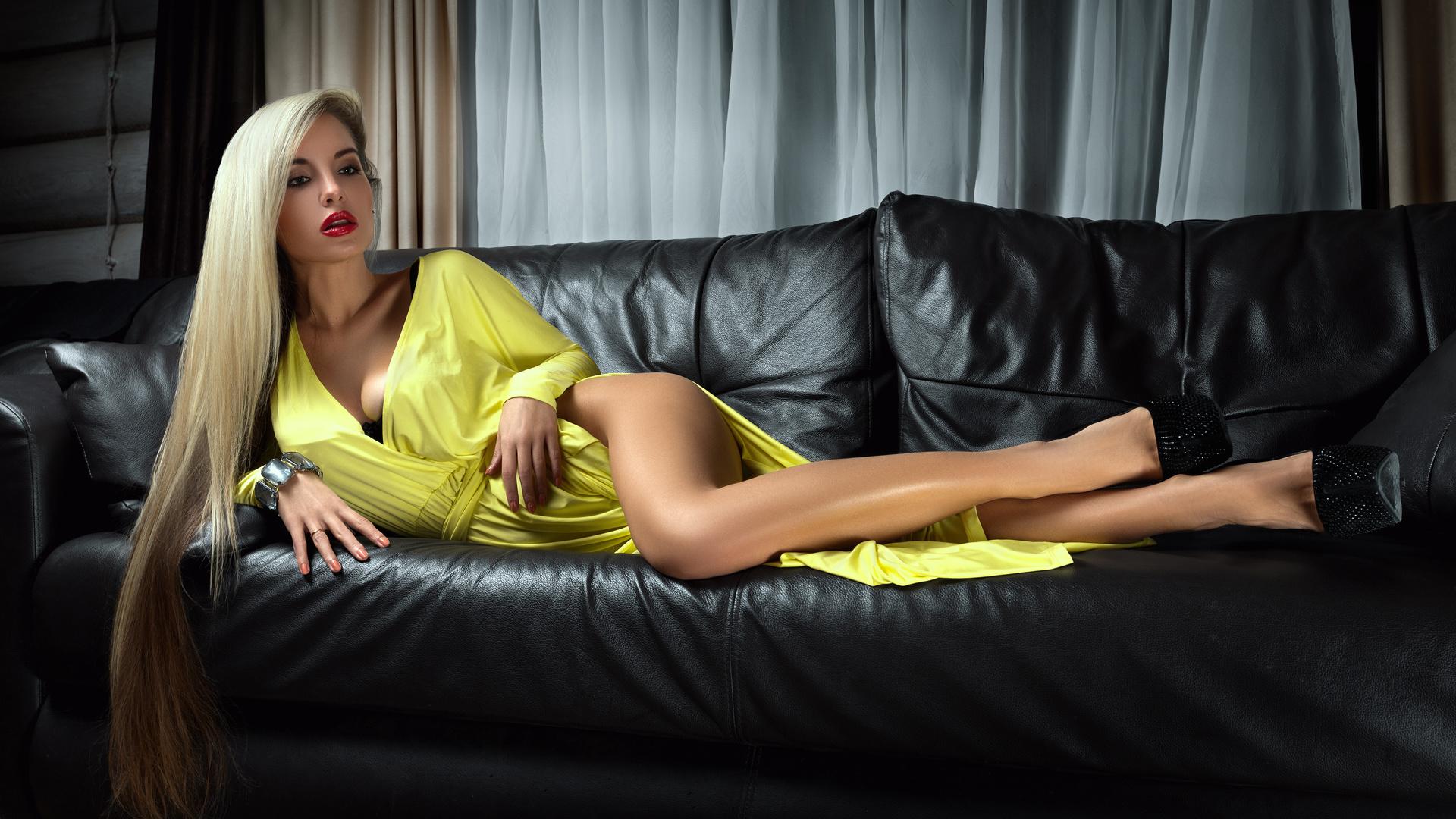 dlinnie-volosi-blondinka-seks-video
