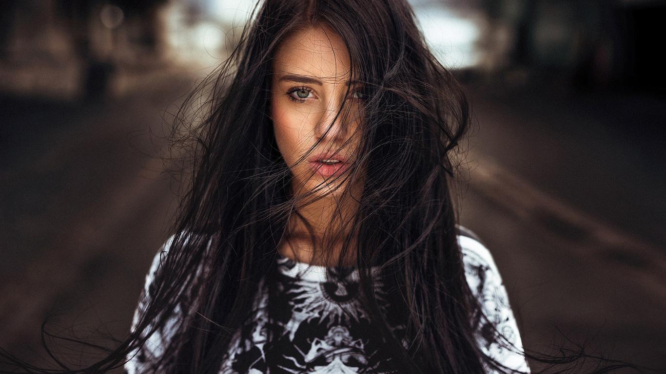 Фото красивых девушек с черным волосом