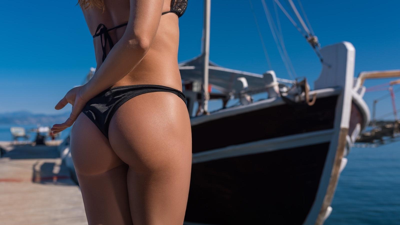 Рианна на яхте лесби