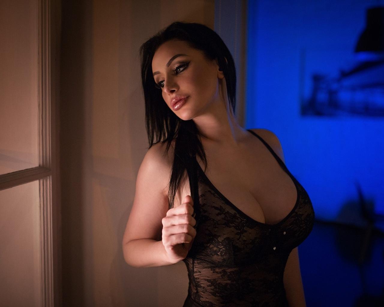 Новогодний секс с пьяными девками порно фото бесплатно