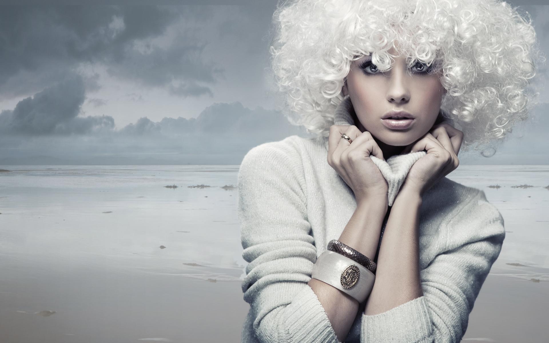 Девушка в парике реальные фото