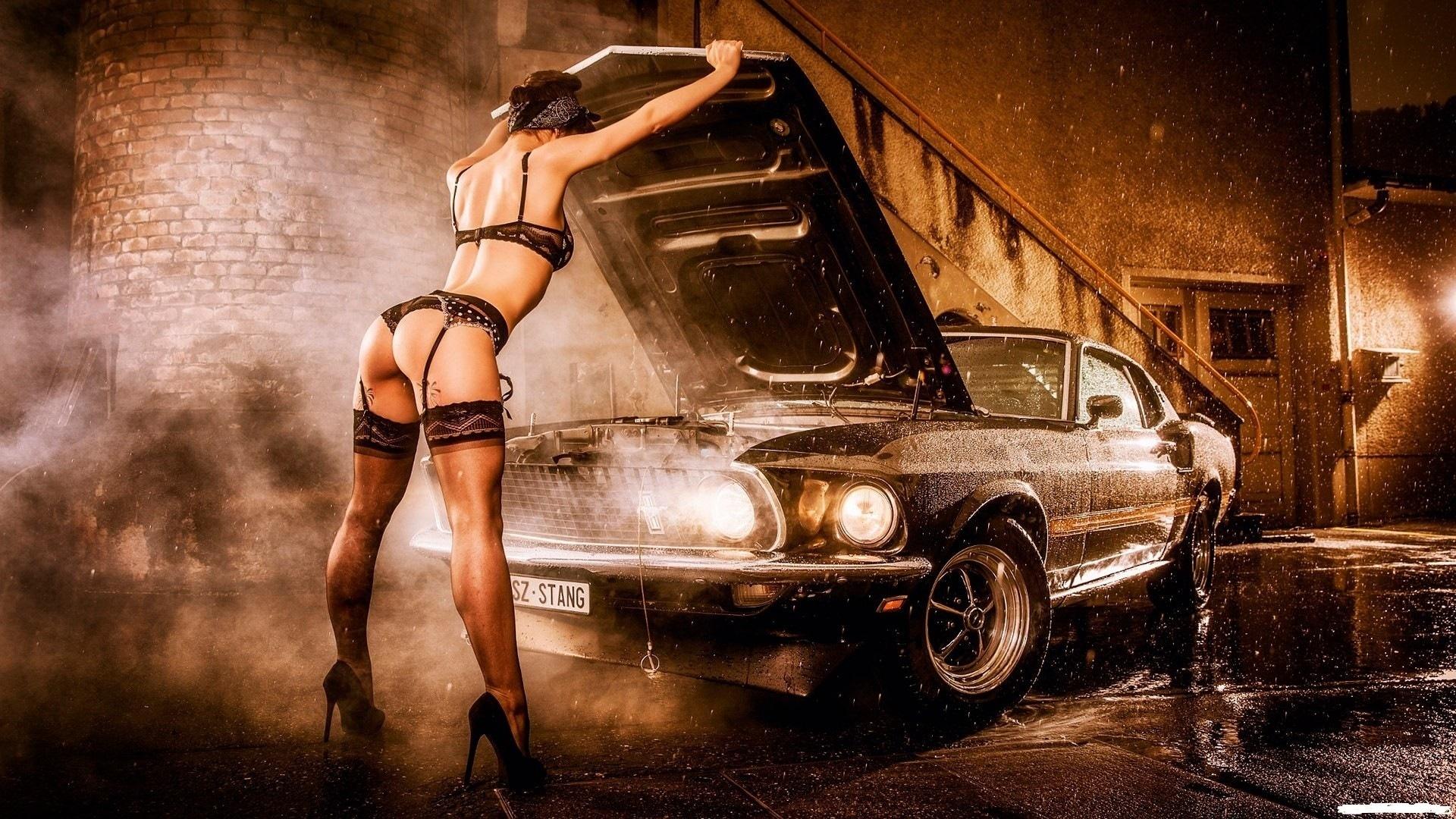 devushki-avto-erotika