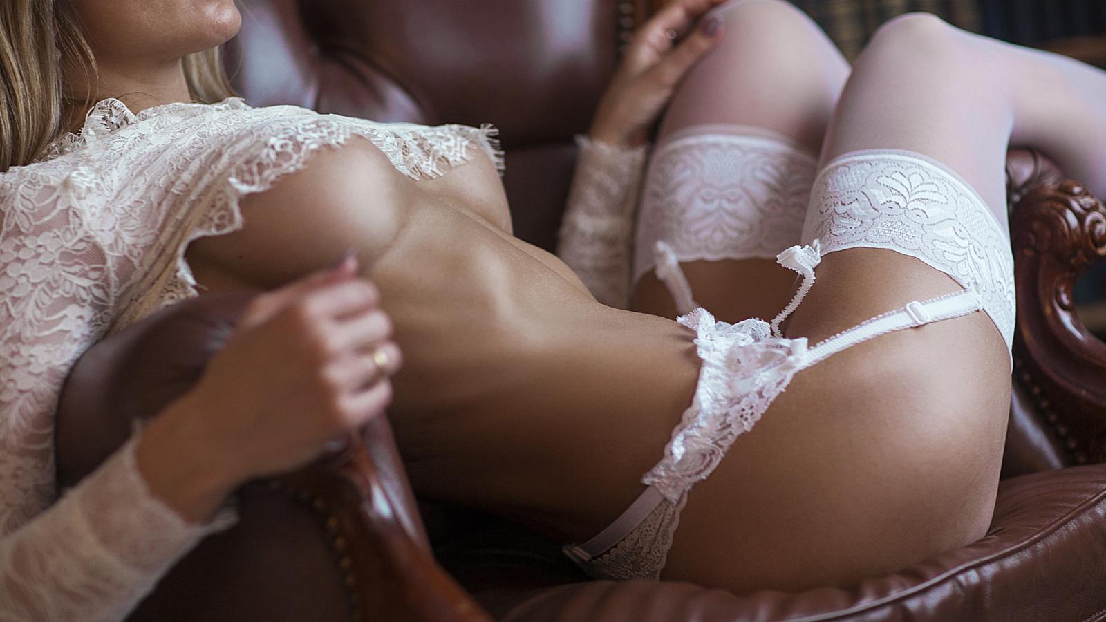 Порно Красотку В Кружевном Белье