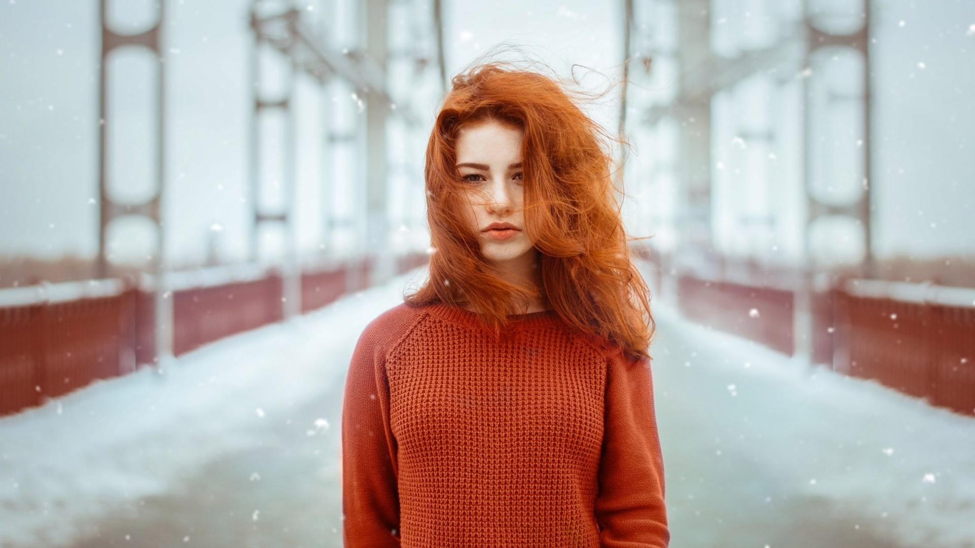 Фото рыжих девушек на аву зимой